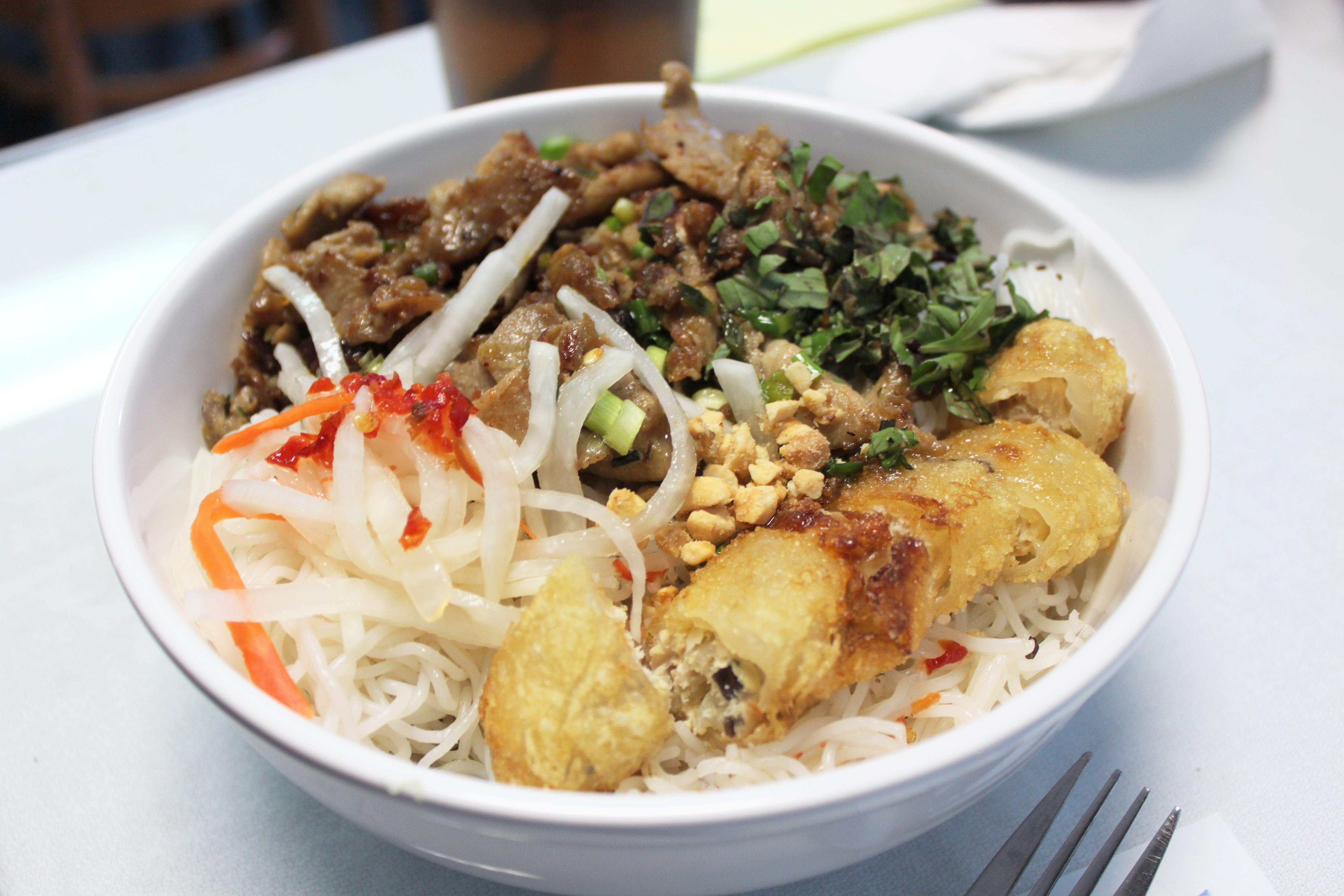 Ethnic Eats: Vietnam Kitchen – Chew on Lou